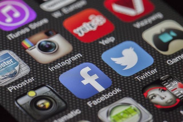 Major Social Media Mistakes to Avoid Right Now